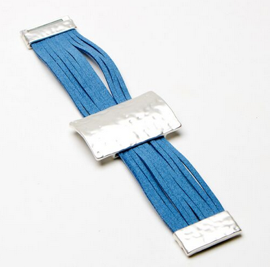 Multi stranded blue suede bracelet with textured bar and magnetic catch