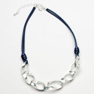 linked loop navy short chain